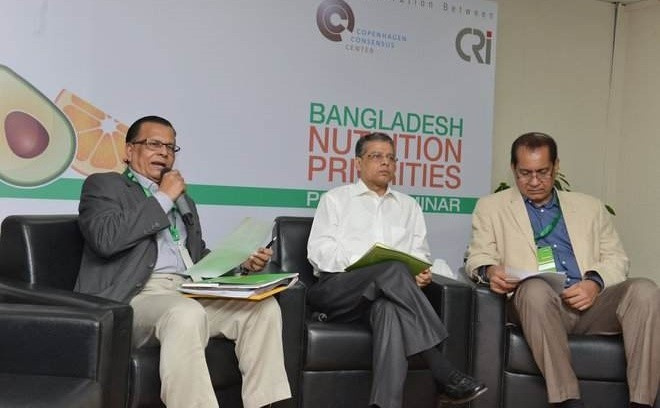 From left – Professor Abdul Bayes, Director, BRAC-RED and Team Leader of BRAC-LANSA (Leveraging Agriculture for Nutrition in South Asia), Health and Family Welfare Secretary Syed Monjurul Islam and the Director General of Directorate General of Health Services (DGHS) Professor Dr Deen M Nurul Huq