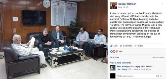 Mr. Nojibur Rahman, Chairman of NBR and Sr. Secretary, Internal Resources Division under the Ministry of Finance, shared a photo of the Finance Minister going through the Outcome Document and final rankings of Bangladesh Priorities with Dr. Bjorn Lomborg. From left: Finance Minister of Bangladesh, AMA Muhith, Bjorn Lomborg, President of Copenhagen Consensus Center, Roland Mathiasson, Executive Vice President, Copenhagen Consensus Center, Nojibour Rahman and Hasanuzzaman Zaman, Outreach Manager, Copenhagen Consensus Center.